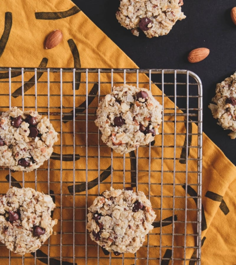 vegan almond pulp cookie overhead cooling picture