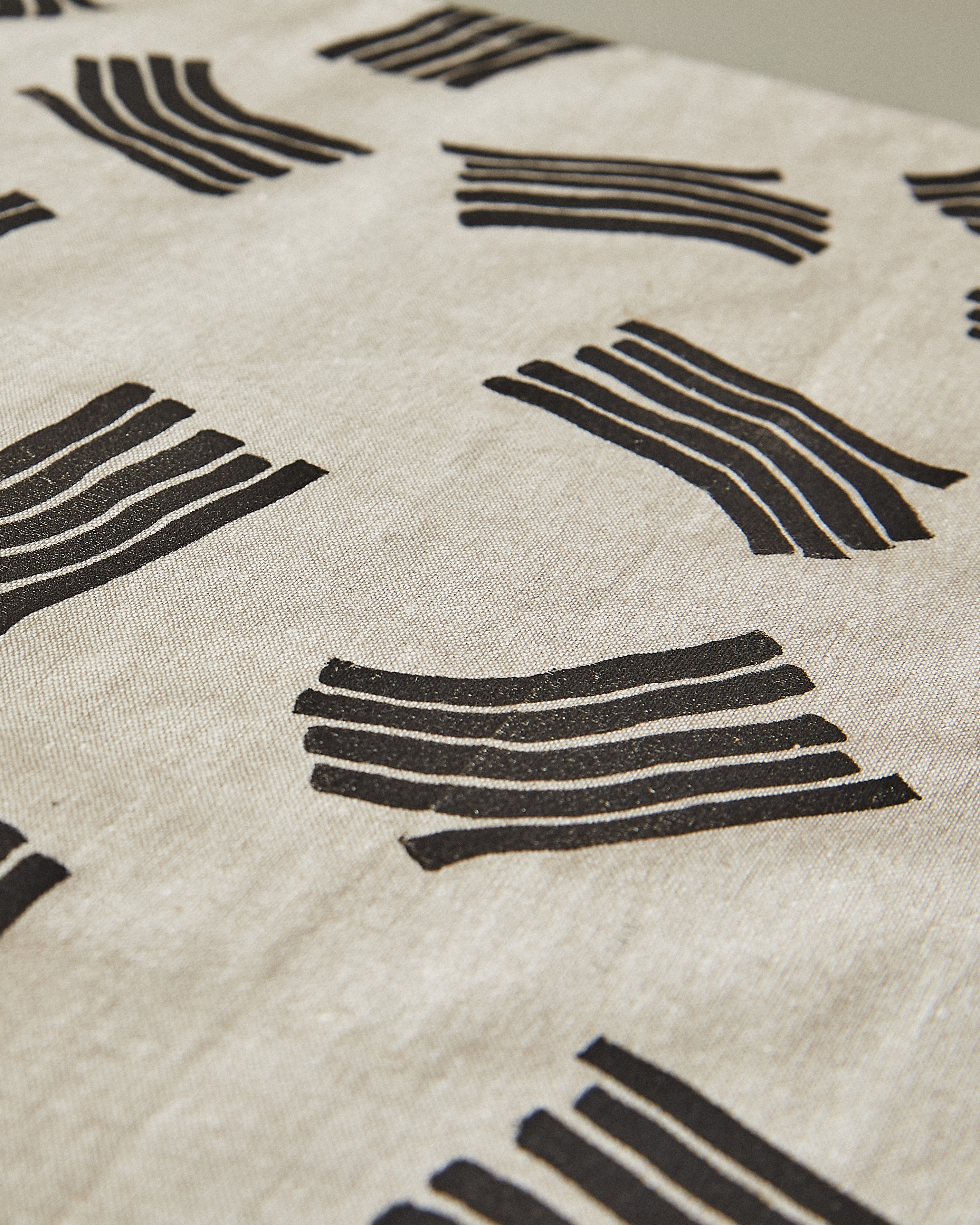 wave napkin detail